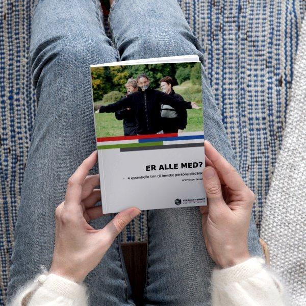 Er_Alle_Med_Paperback-Cover-book-cover-17_Kvadrat_lille